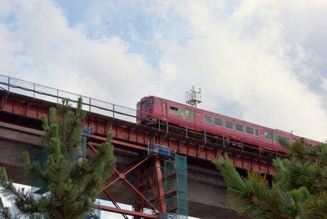 餘部鉄橋上り列車通過