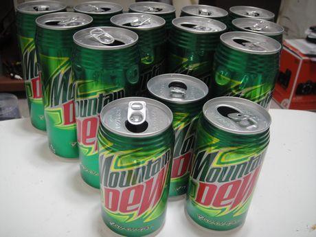 マウンテンデューの空き缶たち