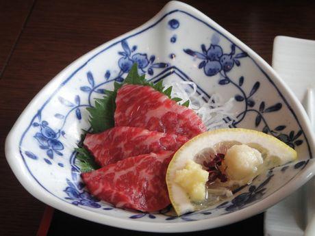 米沢牛の刺身